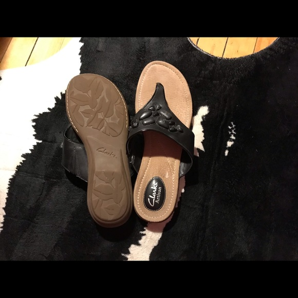 New Clark's  leather sandals with memory foam  10
